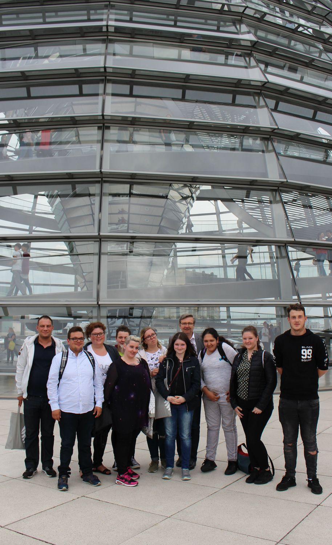 Auszubildende Des Kolping-Berufsbildungswerkes Essen Besuchten Dirk Heidenblut (MdB, SPD) In Berlin