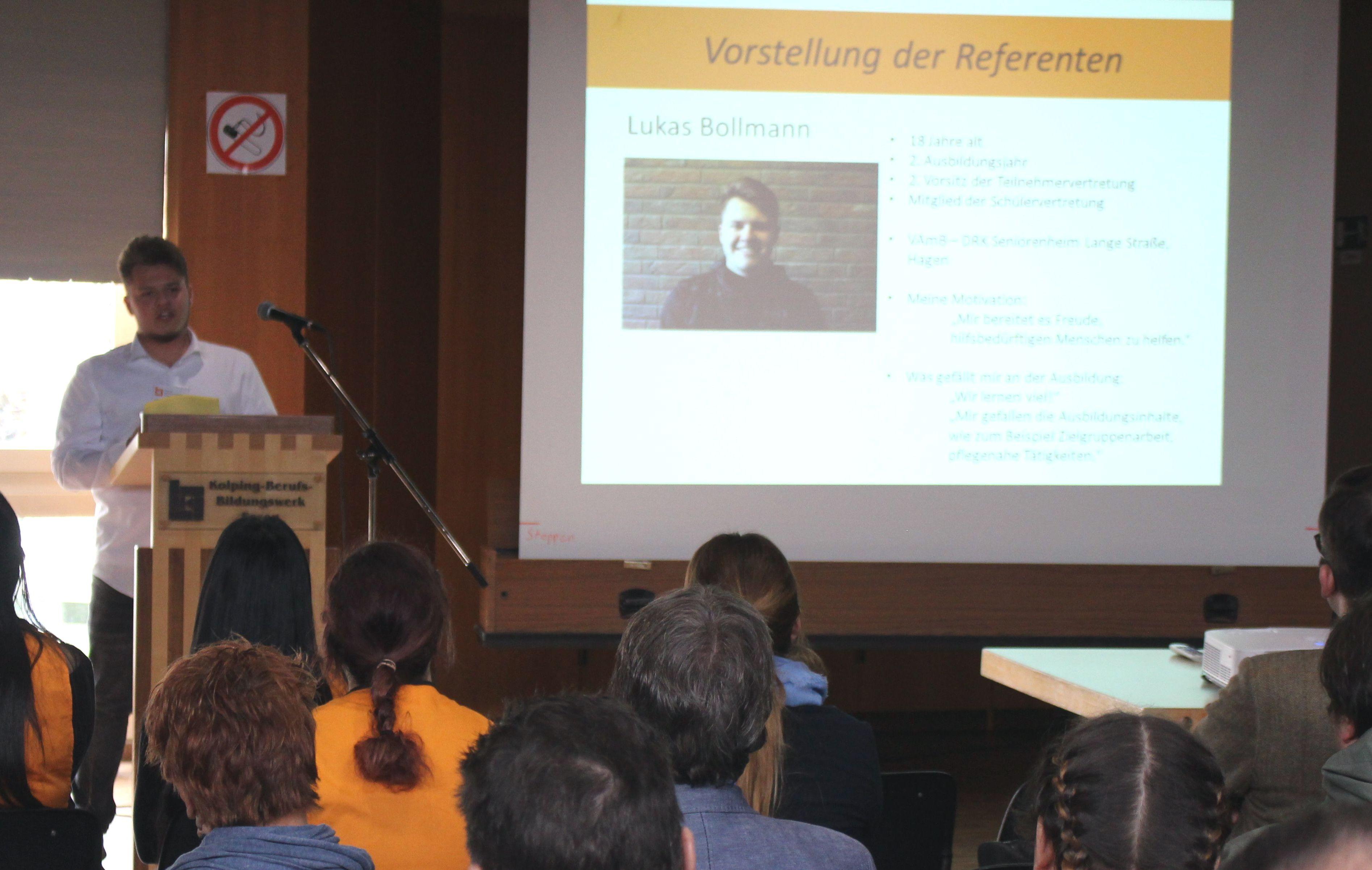 """Berufsbild Des """"Fachpraktikers Service In Sozialen Einrichtungen"""" Erfolgreich Vorgestellt"""