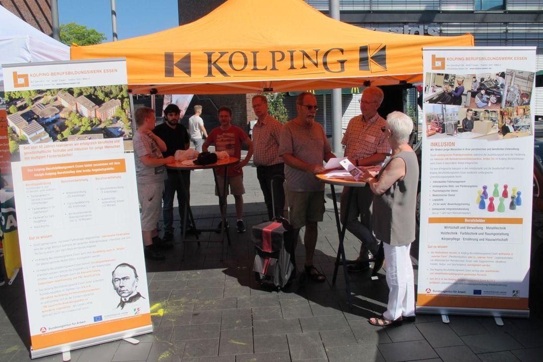 Kolping-Berufsbildungswerk Essen Informierte Am Tag Der Wirtschaft In Bottrop